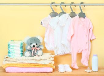 Ropa que necesita un bebe recién nacido